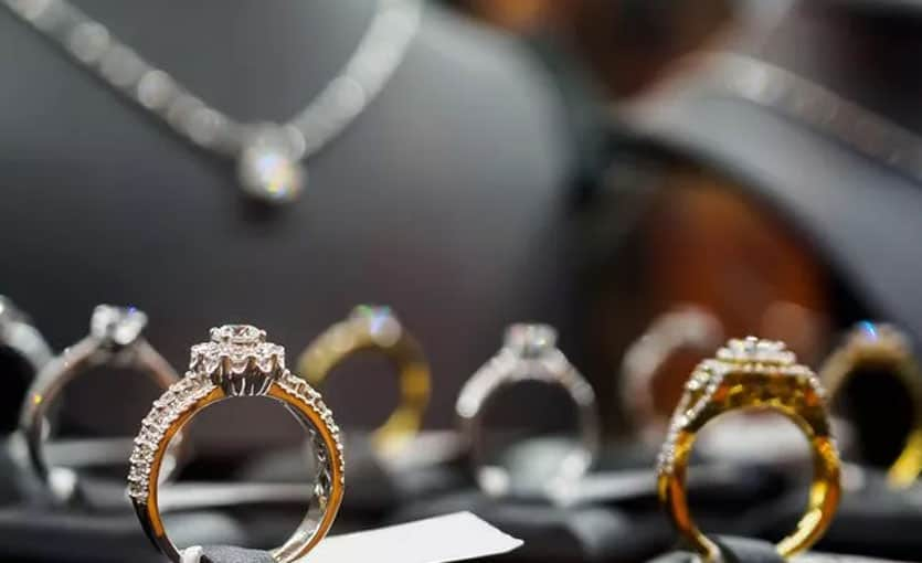 redundant-stock-jewellers-service
